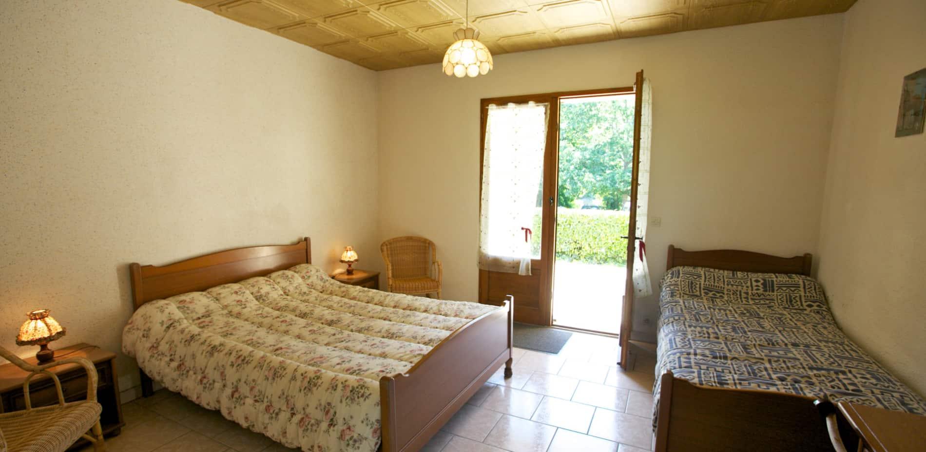 chambre sarlat en rez de jardin en Dordogne