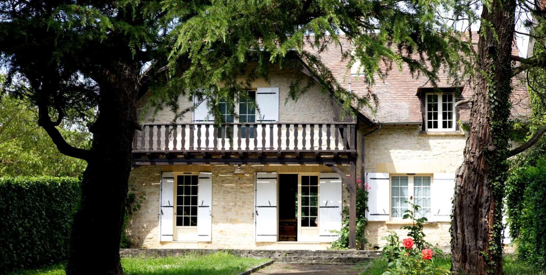 Gite dordogne maison-de-vacances-sarlat-beynac-port-denveaux-location-chambre-piscine